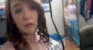 people-caught-taking-selfies (16)
