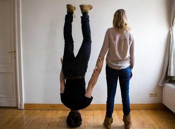 people-standing-on-heads (5)