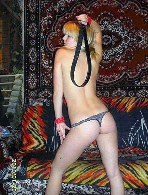 russian-girls-posing-with-carpets (21)