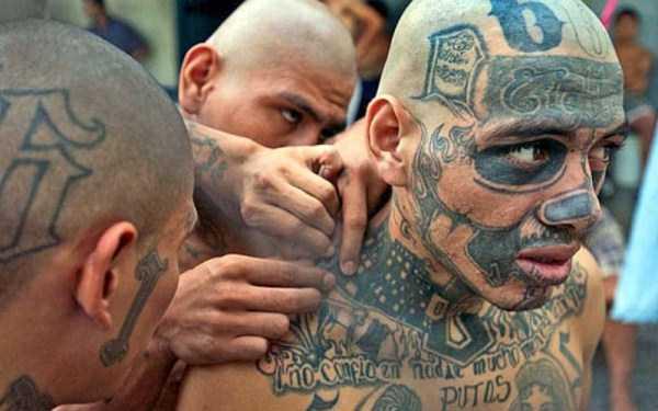 awful-tattoos (9)