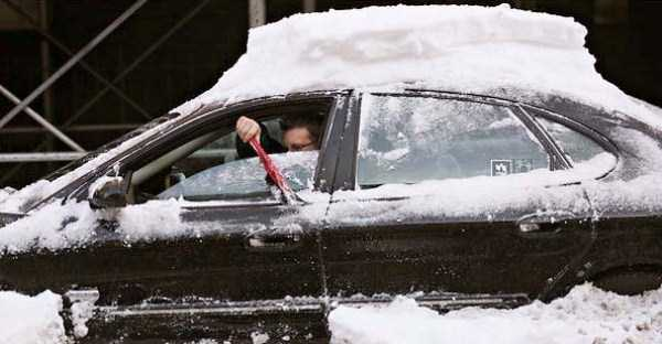 cars-covered-with-snow (19)