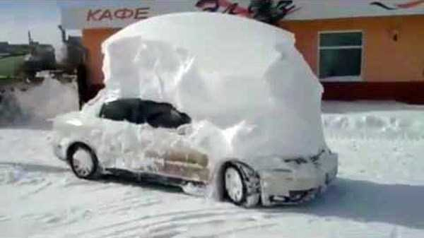 cars-covered-with-snow (4)