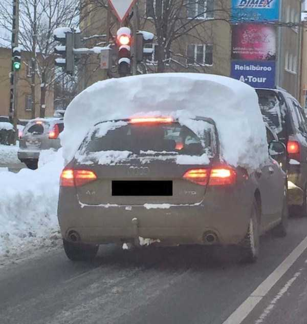 cars-covered-with-snow (7)