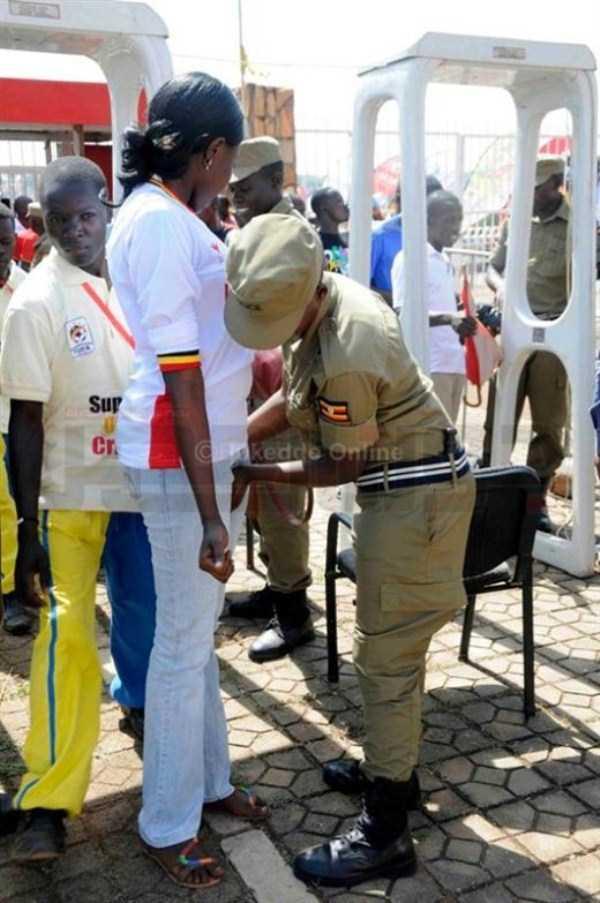 football-fans-uganda (1)