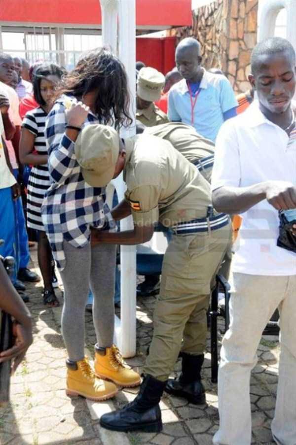 football-fans-uganda (2)