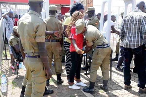 football-fans-uganda (8)