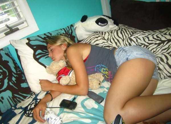 hot-girls-sleeping (13)