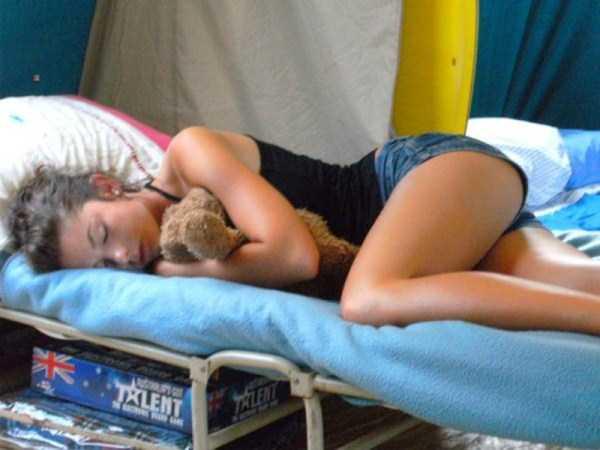 hot-girls-sleeping (5)