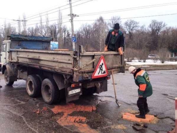 repairing-potholes-in-russia (1)