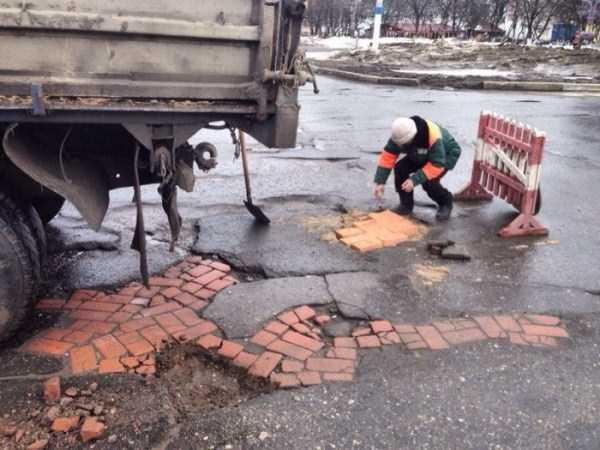 repairing-potholes-in-russia (2)