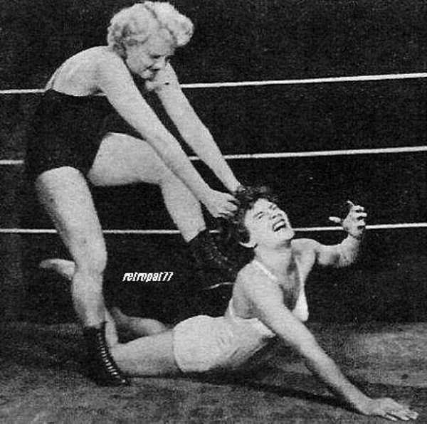 retro-women-wrestling-pictures (1)