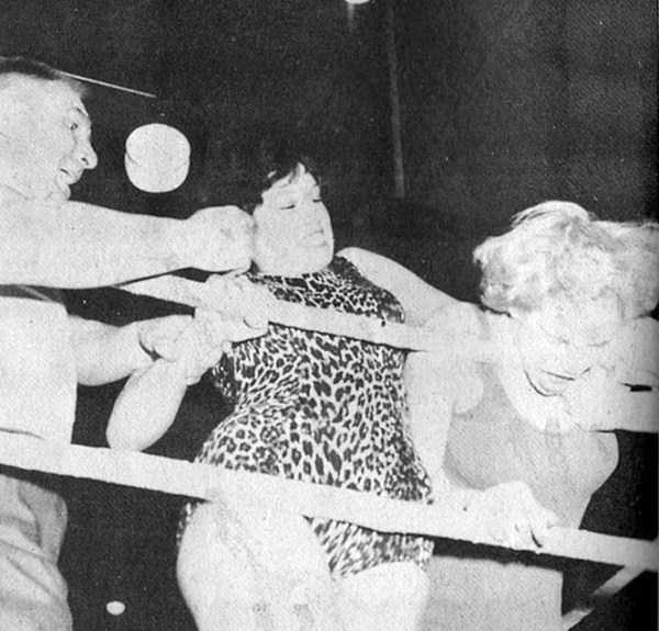 retro-women-wrestling-pictures (2)
