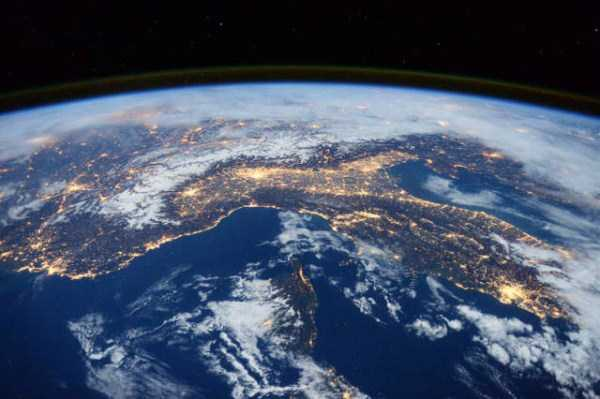 space-photos-taken-from-iss (25)