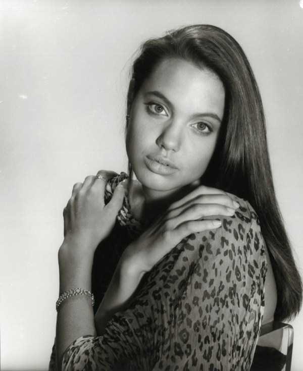 angelina-jolie-teenage-model (14)