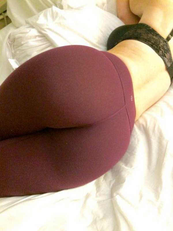hot-girls-in-yoga-pants (14)