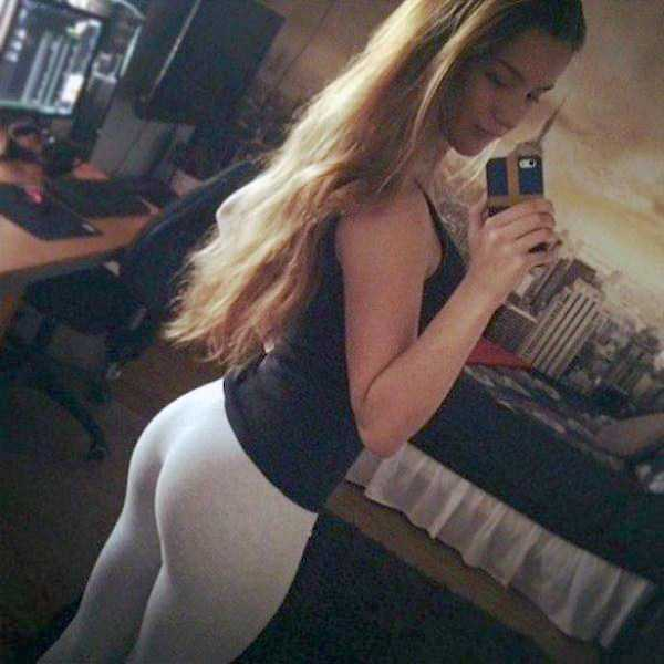 hot-girls-in-yoga-pants (17)
