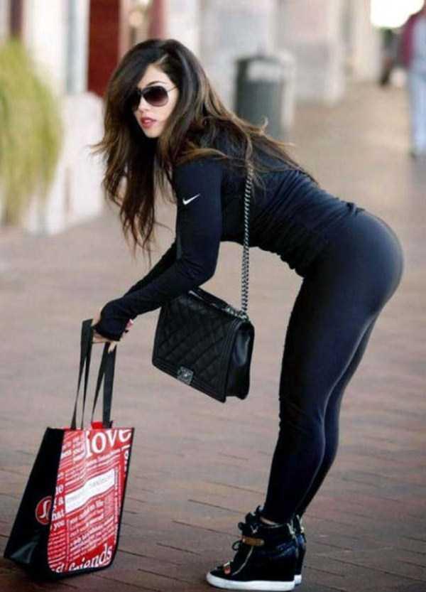 hot-girls-in-yoga-pants (21)