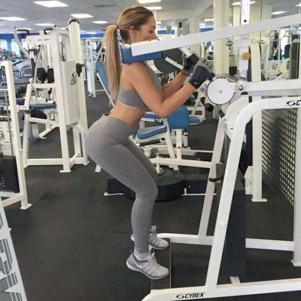 hot-girls-in-yoga-pants (3)