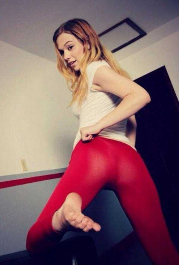 hot-girls-in-yoga-pants (7)