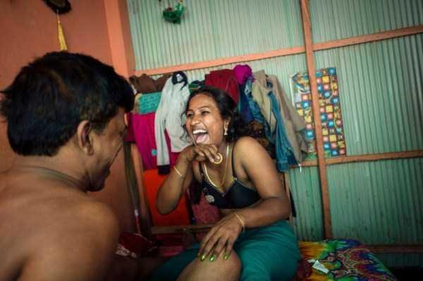 brothel-kandapara-bangladesh (12)
