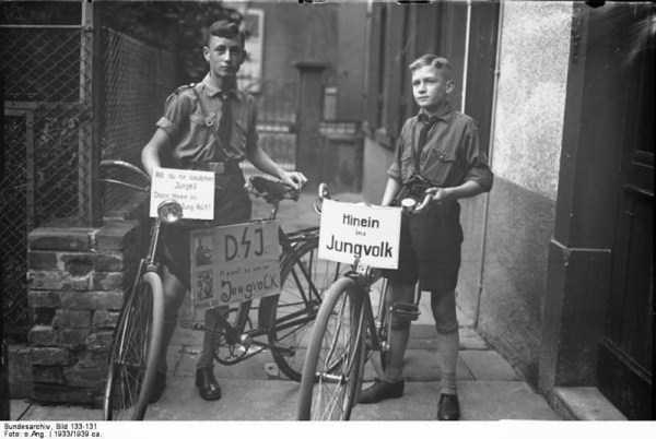 children-in-nazi-germany (14)