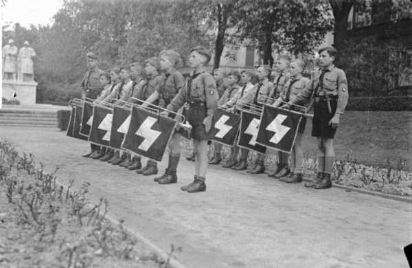 children-in-nazi-germany (15)