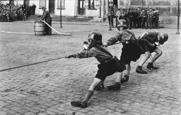 children-in-nazi-germany (18)