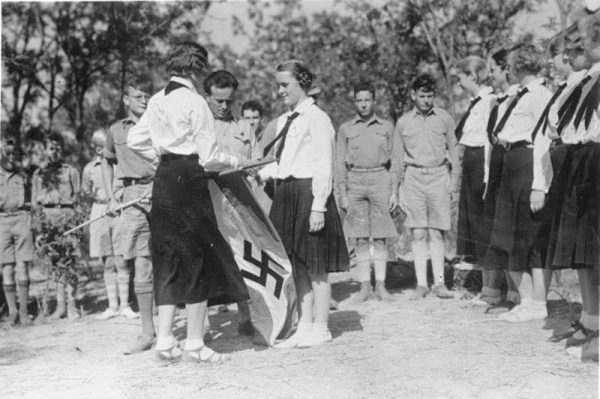 children-in-nazi-germany (19)