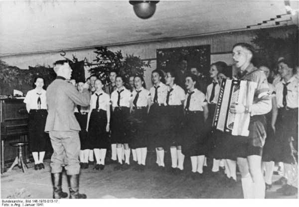 children-in-nazi-germany (26)