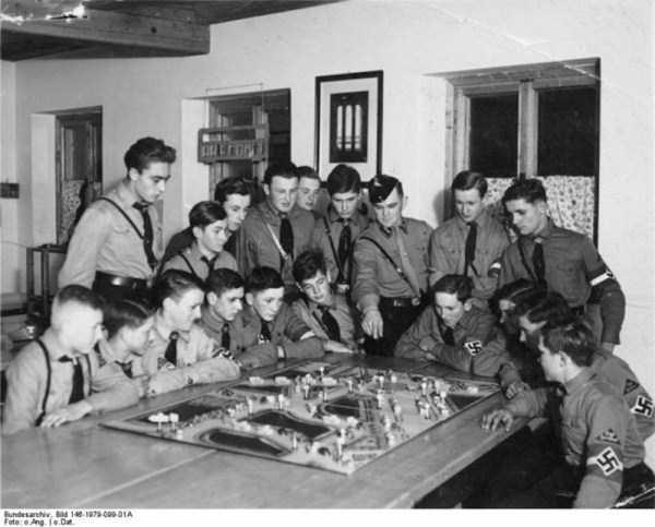 children-in-nazi-germany (29)