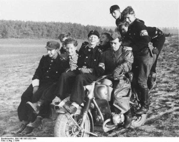 children-in-nazi-germany (30)