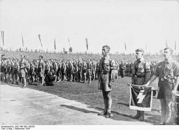 children-in-nazi-germany (32)