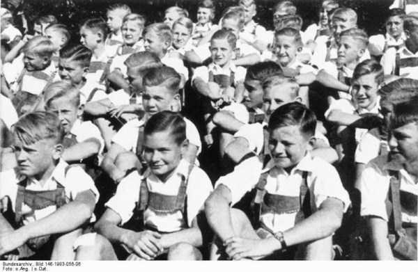 children-in-nazi-germany (33)
