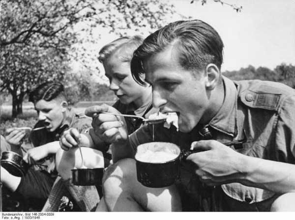 children-in-nazi-germany (35)