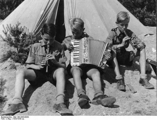 children-in-nazi-germany (39)