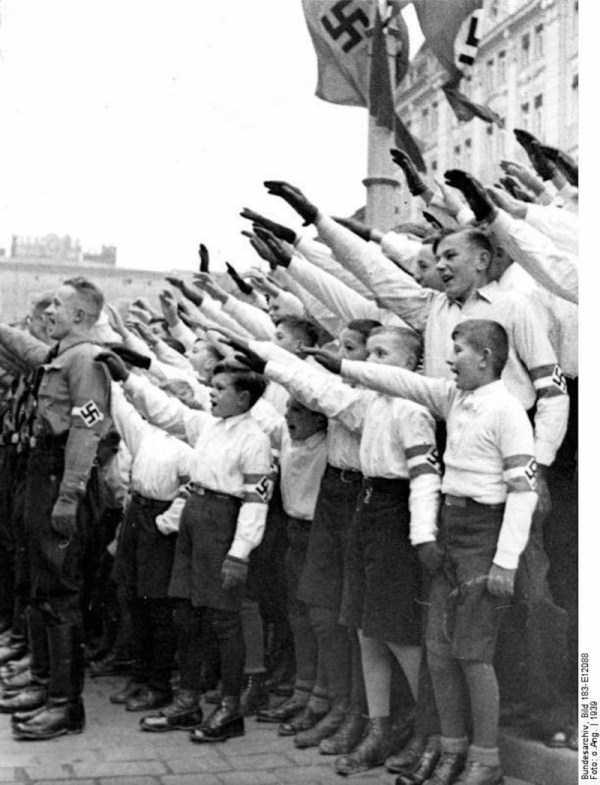 children-in-nazi-germany (44)
