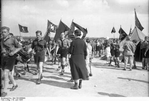 children-in-nazi-germany (46)