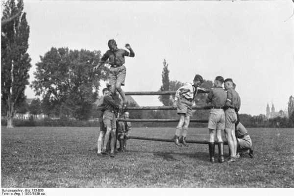 children-in-nazi-germany (6)