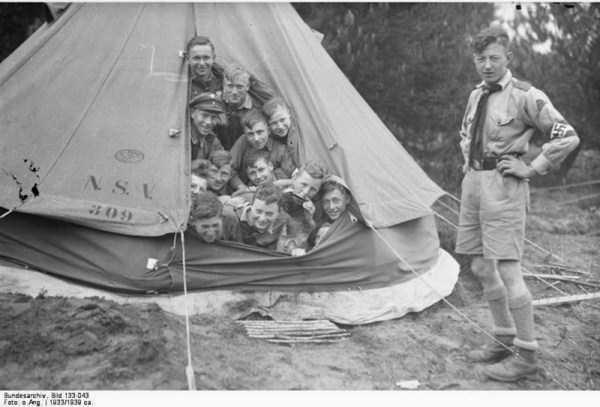 children-in-nazi-germany (7)