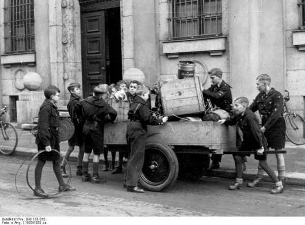 children-in-nazi-germany (9)