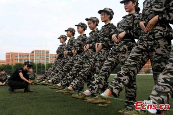 china-stewardesses-training (12)