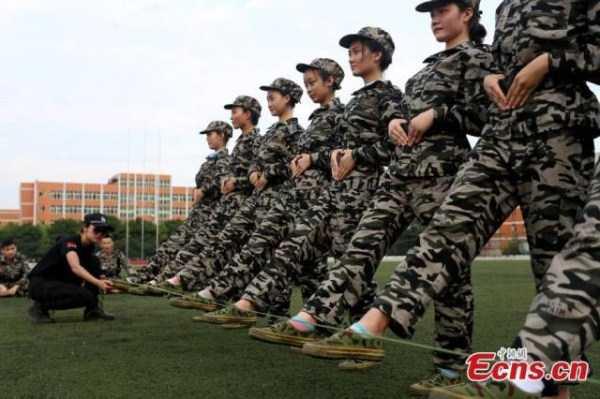 china-stewardesses-training (12)