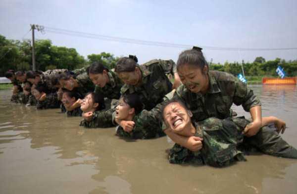 china-stewardesses-training (15)