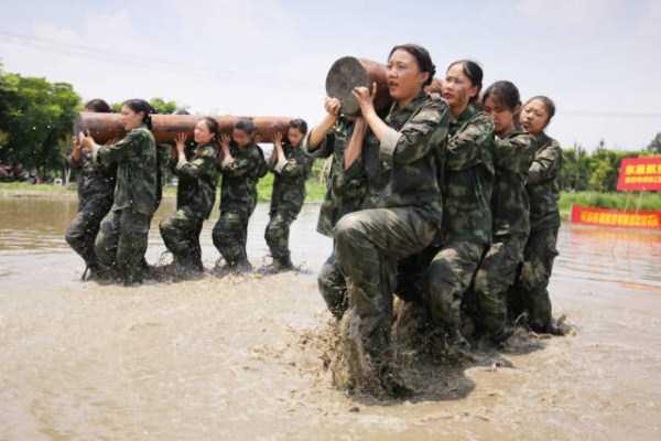 china-stewardesses-training (19)
