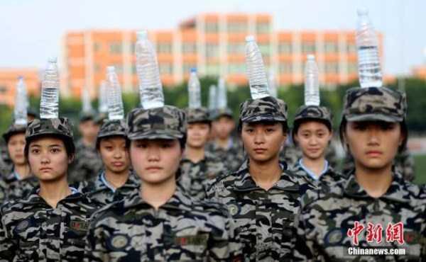 china-stewardesses-training (9)