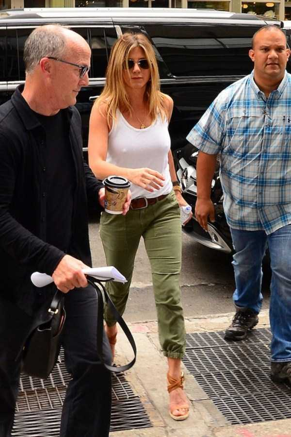hot-Jennifer-Aniston (10)