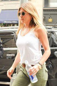hot-Jennifer-Aniston (15)