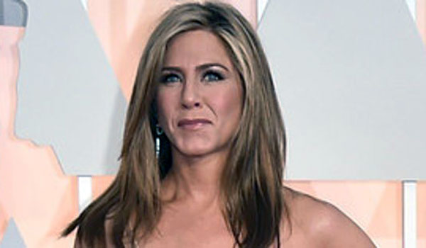 hot-Jennifer-Aniston-(20)