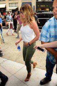 hot-Jennifer-Aniston (7)