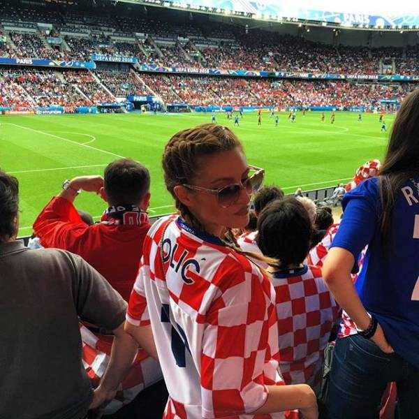 hot-euro-2016-female-fans (16)